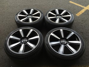 21 Zoll Bentley Kompletträder Sommer Black Elegant Wheels