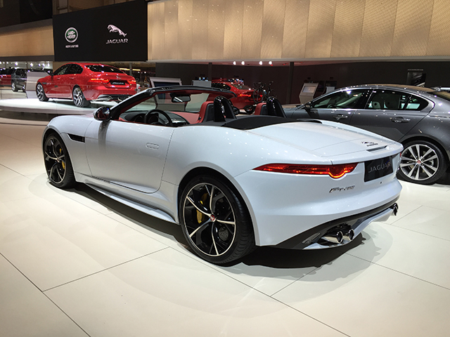 Jaguar F-Type V8 R Convertible All-wheel-drive